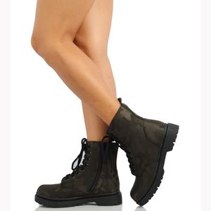 Camouflage Lace Up Lug Sole Military Boot